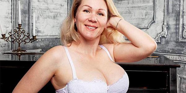 Vollbusige Hausfrauen suchen private Sexkontakte
