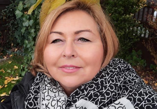 Reife Frau sucht Sex Kontakte für AO Treffen